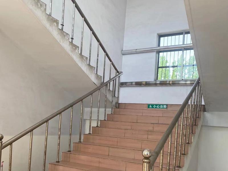 工厂门口和办公楼3